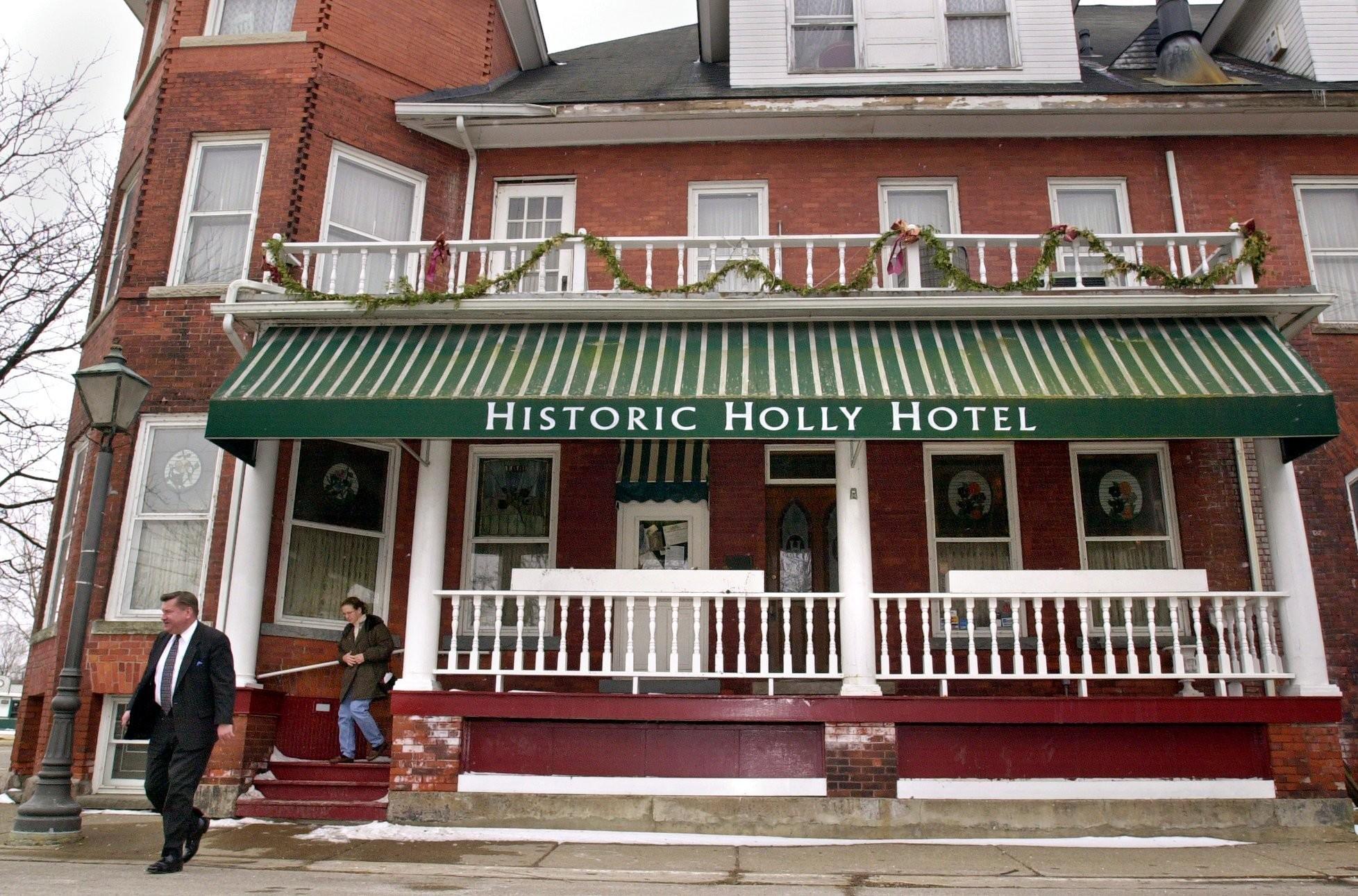 HollyHotel